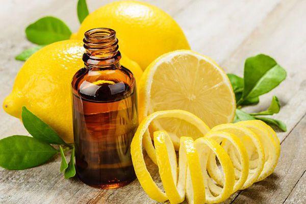 https://aromayenergia.files.wordpress.com/2016/10/aceite-esencial-de-limon.jpg?w=1000